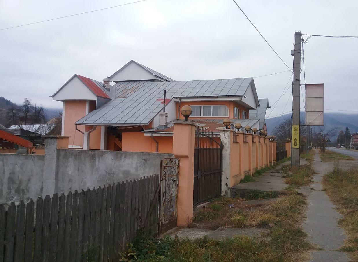 poza ID 9471: Casă cu 10 camere - Pangarati