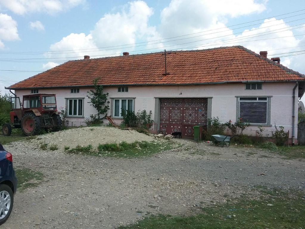 poza Casa si teren in Darova, Timis