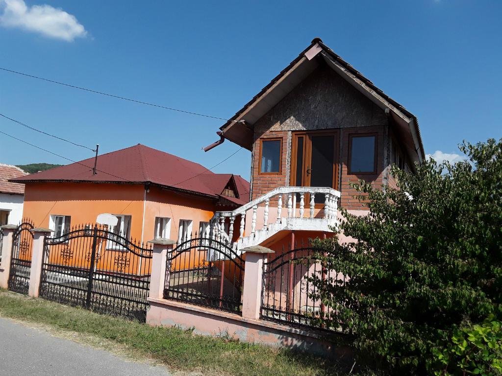 poza Casa in Francesti, sat Cosani, pct Acasa, Valcea