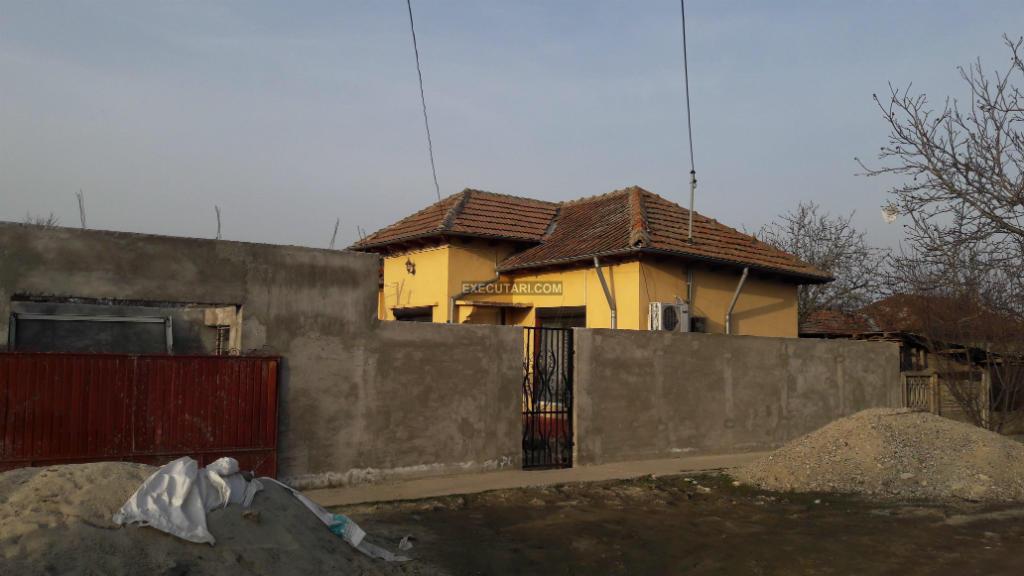 poza Casa + Teren - 651  m²