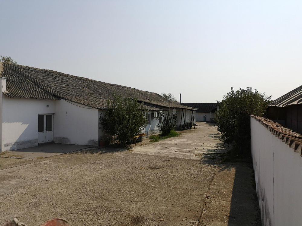 poza Constructii + Teren - 2.036m², Razvad