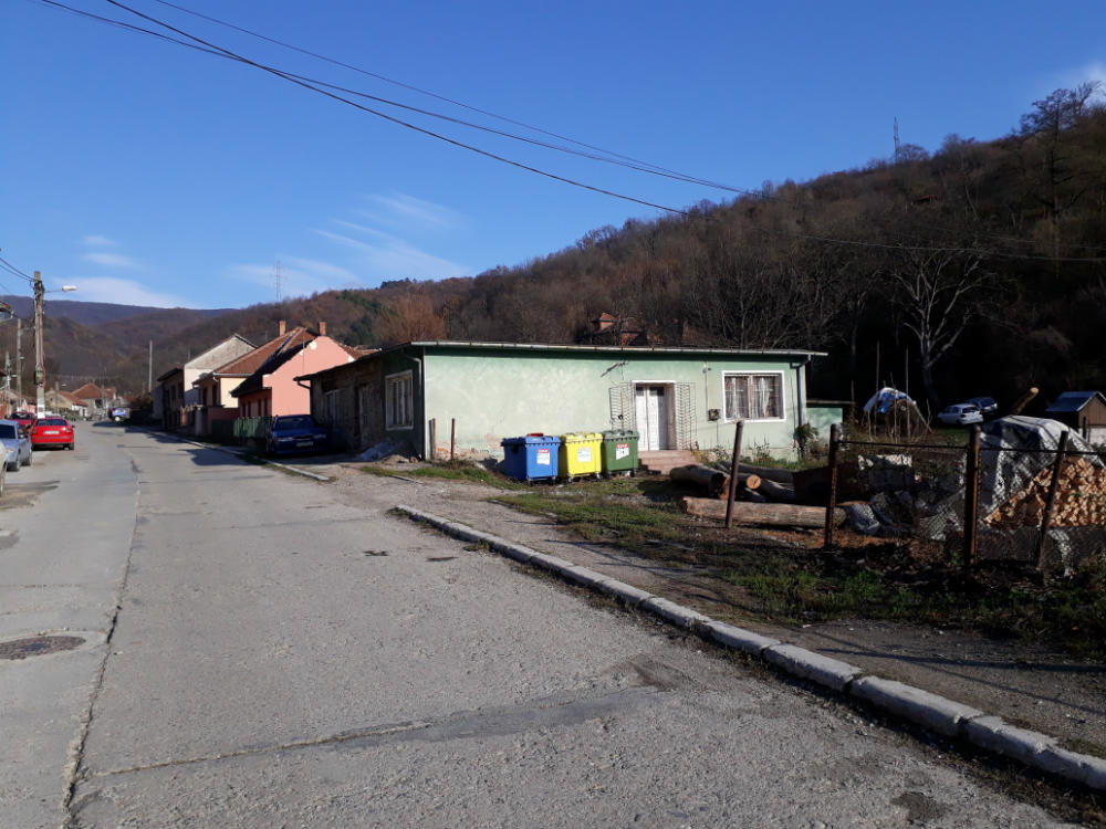 poza Spatiu comercial - 153m² + Teren - 746m², Moldova Noua